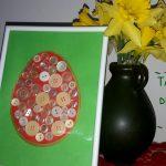 Idee de Paște: Ou decorat cu nasturi
